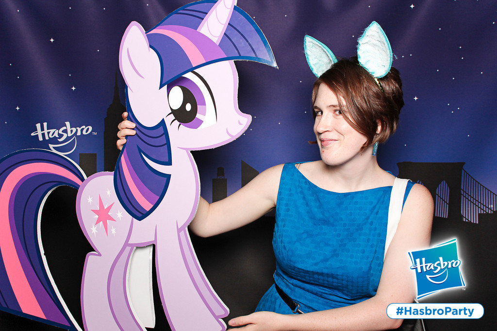 Rachel Nabors poses next to Twilight Sparkle